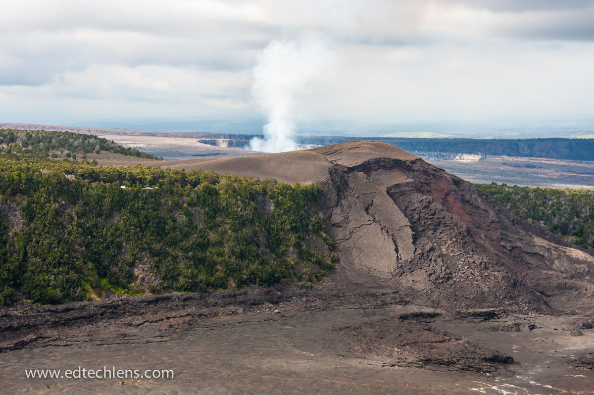 Two of the world's most active volcanoes-- Kīlauea and Mauna Loa—are found at the Hawaii Volcanoes National Park